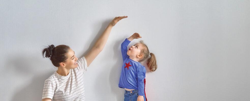 Tener hijos menores de 12 años repercute, entre los 25 y los 49 años, de forma mucho más notable en el empleo de las mujeres que en los hombres